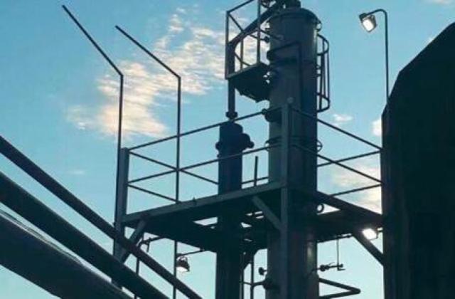 北美炼油厂防爆照明项目
